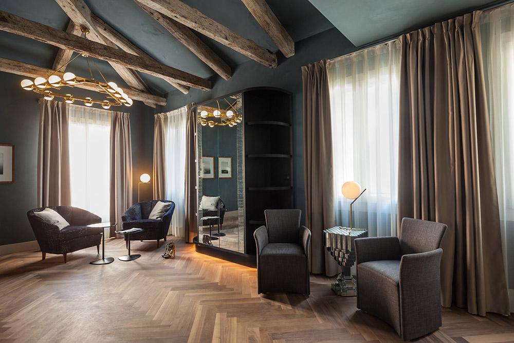 king-blue-suite-1